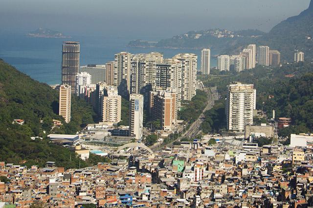 Vista aérea da rocinha no Rio de Janeiro