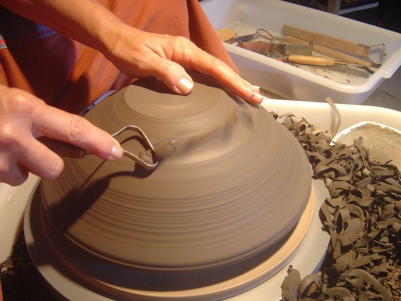 Cer mica roda de olaria tipos e utiliza o popular - Fotos de ceramica ...