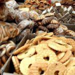 O certo é biscoito ou bolacha?
