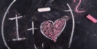 A equação do amor. Se declare com um cálculo matematico