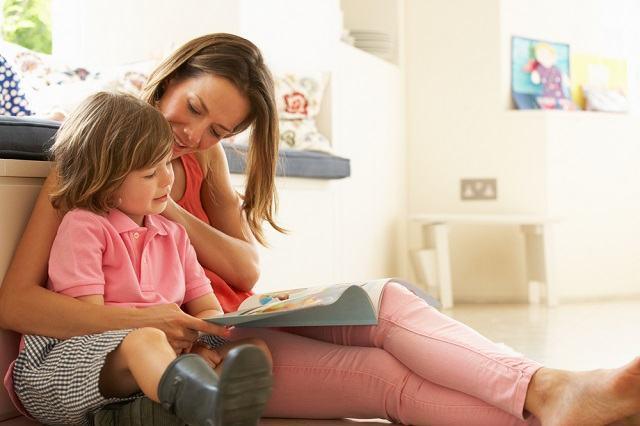 Você sabia que faz bem incentivar o hábito da leitura entre as crianças?