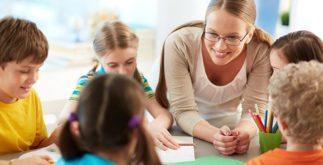 Como deixar feliz a minha professora da escola?