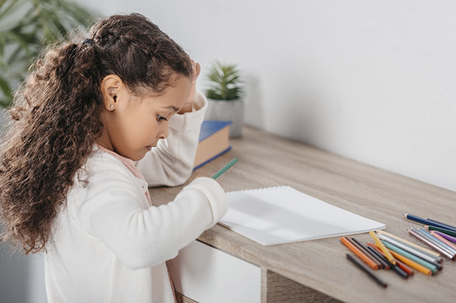 Se o pequeno organiza suas tarefas, sobra mais tempo para brincar
