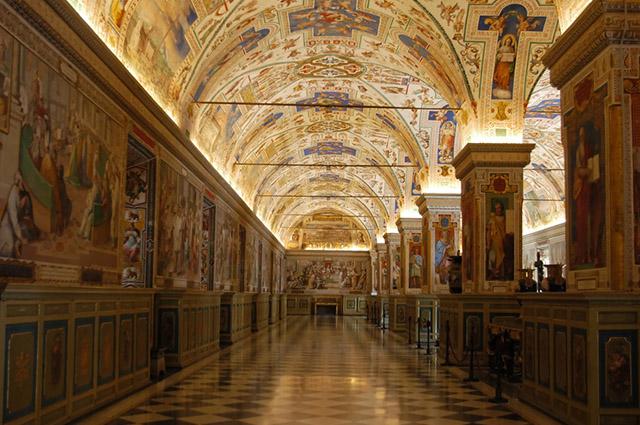 O Museu do Vaticano é situado em Roma, na Itália