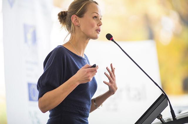 Informações, fatos ou estatísticas que sejam inacreditáveis, podem ser usadas no início do discurso