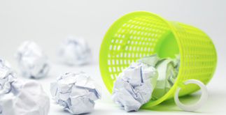 Como fazer para desamassar papel. Veja 3 dicas eficientes