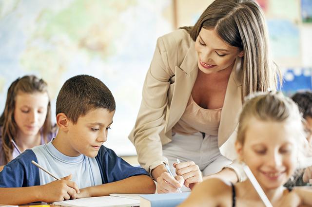 Um dos papéis da escola é preparar as crianças para conviverem socialmente