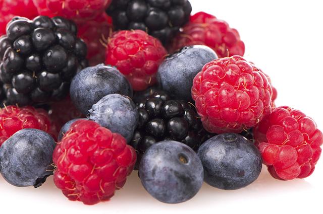 Amoras, cerejas e morangos são alimentos bons para a inteligência