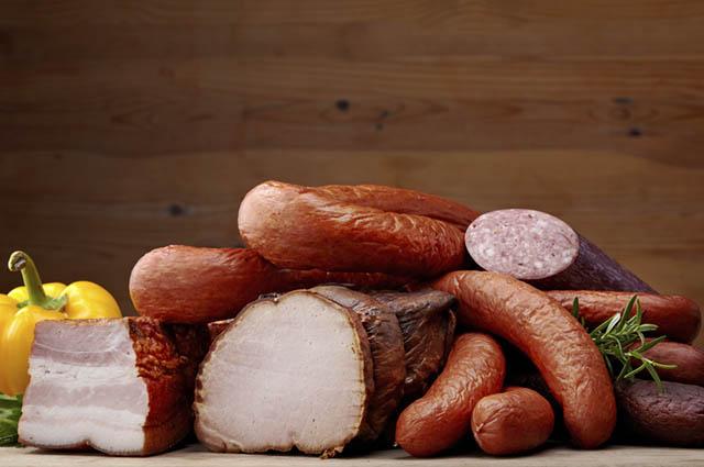 Além de cancerígena, a carne vermelha e a processada aceleram o envelhecimento celular