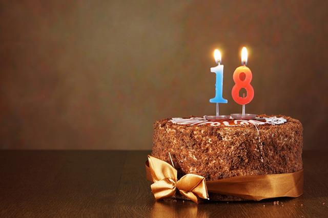 Com quantos anos o jovem se torna maior de idade ainda confunde