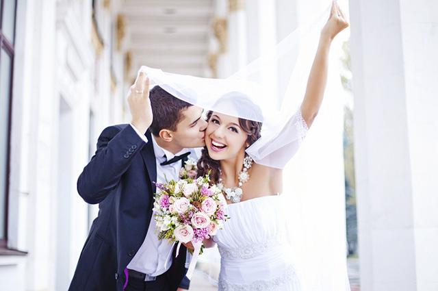 Alcançando a maioridade, além de casar, o jovem pode assumir emprego público e colar grau