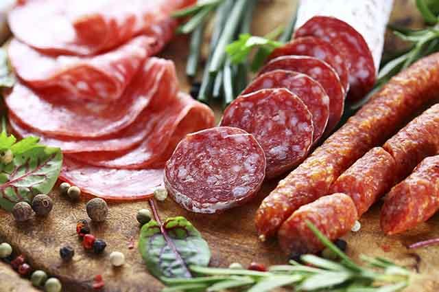 O consumo da carne processada deve ser evitado ou eliminado