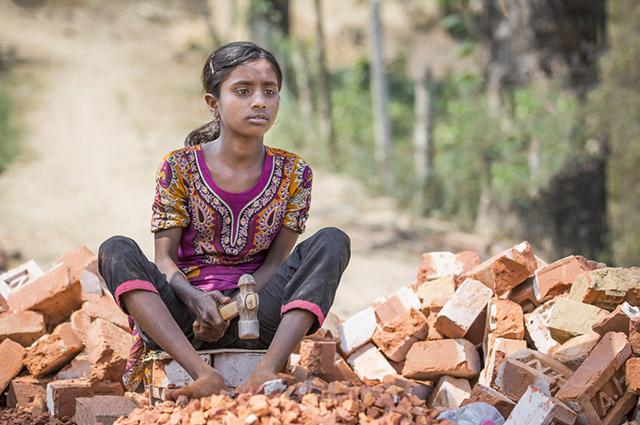 O trabalho do menor não pode ser realizado em locais prejudiciais à sua formação