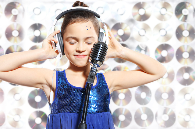 Para ser cantor vale estudar música, aprender a tocar um instrumento e fazer canto