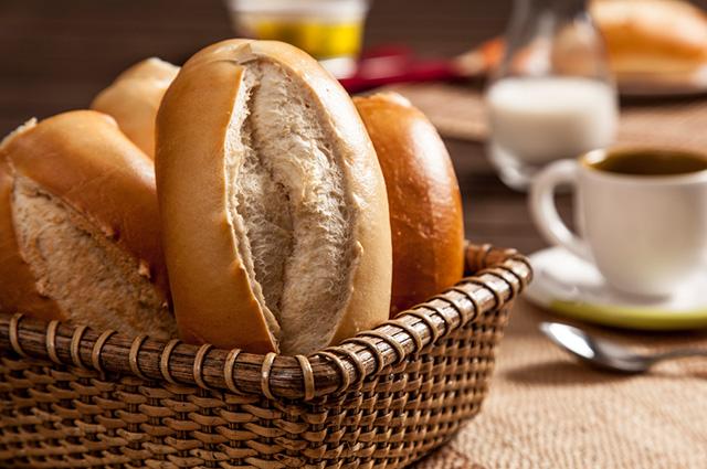 Cesta com pães